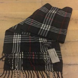 Soft plaid scarf